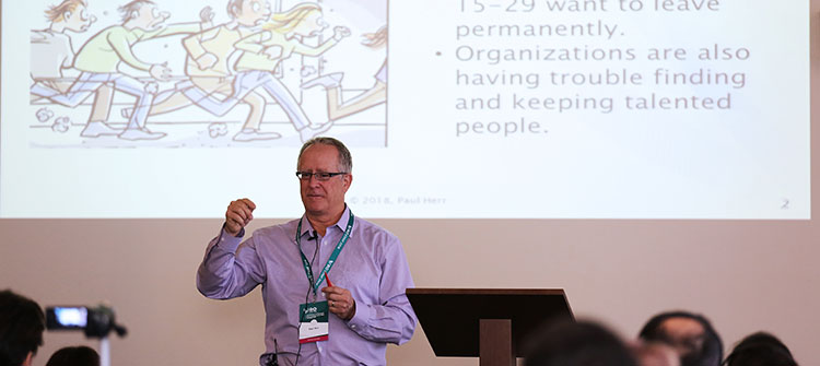 Пол Хер беше лектор на конференцията Reinventing Organizations в Пловдив