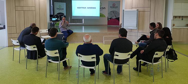 Участници в комуикационен уъркшоп с Михаил Стефанов в Limacon Event Center 2